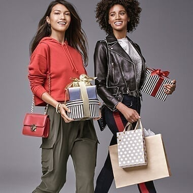 10K Sweepstakes Holiday @ Premium Outlets