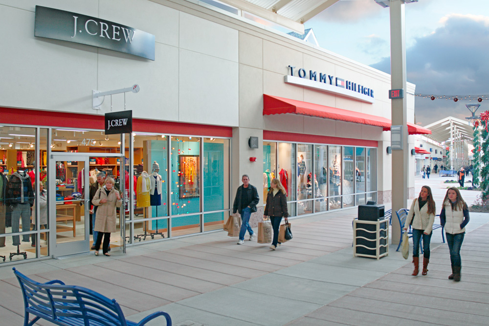 6577ec10c3a About Jersey Shore Premium Outlets® - A Shopping Center in Tinton ...