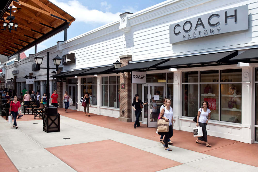 4ccbcff15f About Merrimack Premium Outlets® - A Shopping Center in Merrimack ...