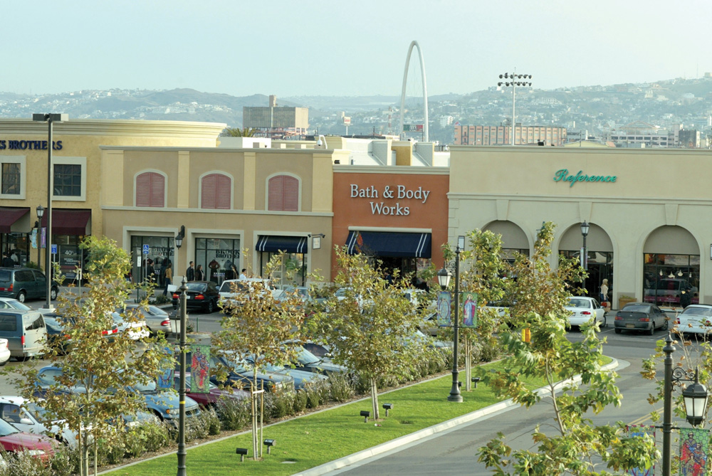 e6940834255 About Las Americas Premium Outlets® - A Shopping Center in San Diego ...