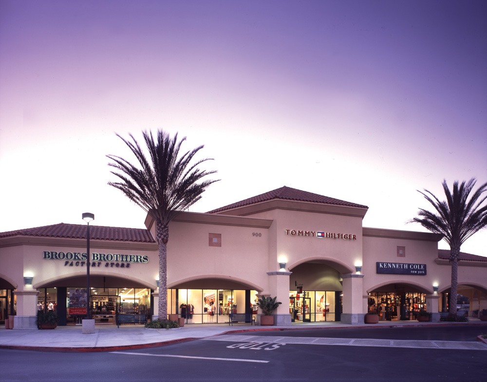 About Camarillo Premium Outlets® - A Shopping Center in Camarillo on