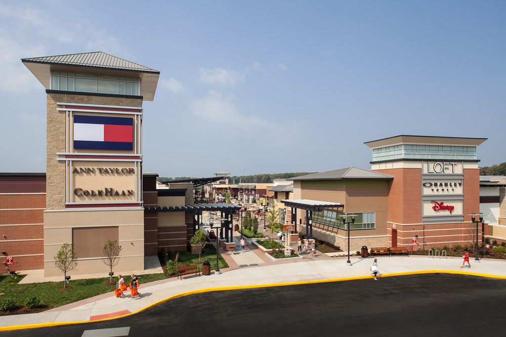 1f50d9896d About St. Louis Premium Outlets® - A Shopping Center in Chesterfield ...
