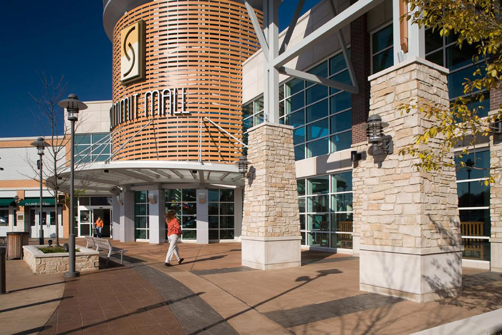 Summit Mall Stores >> About Summit Mall A Shopping Center In Fairlawn Oh A Simon Property