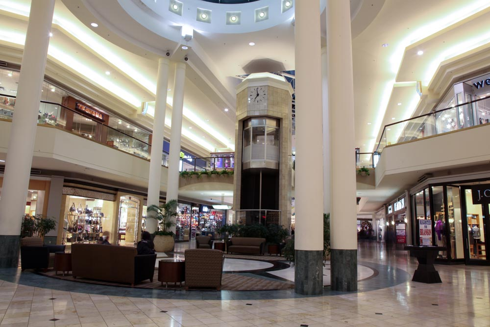 Woodland Hills Mall in the Tulsa area, Oklahoma Are you looking for a cheap Woodland Hills Mall hotel, a 5 star Woodland Hills Mall hotel or a family friendly Woodland Hills Mall hotel?