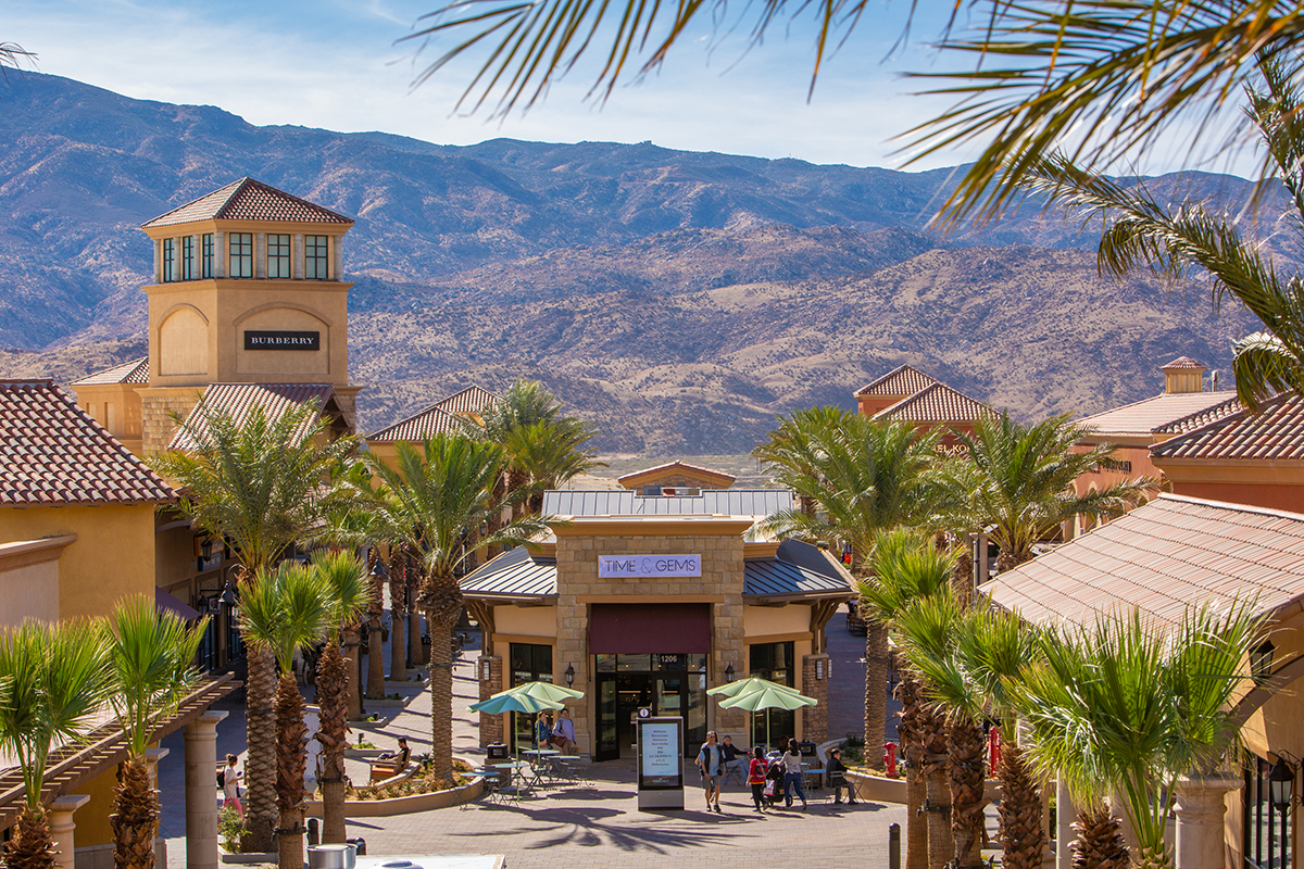 About Desert Hills Premium Outlets® - A Shopping Center in Cabazon ...
