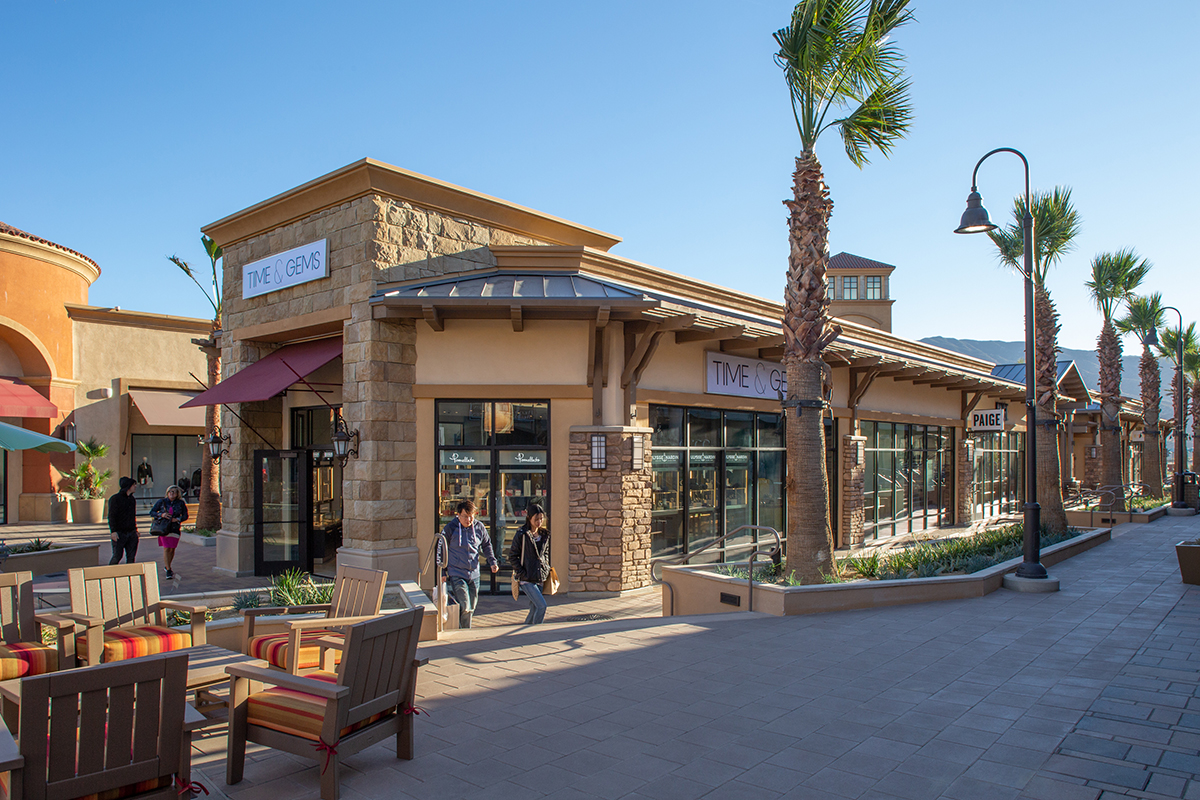 f9aa10069 About Desert Hills Premium Outlets® - A Shopping Center in Cabazon ...