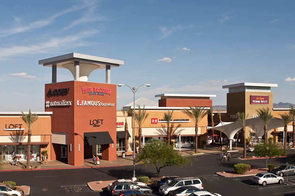 Las Vegas South Premium Outlets® offers more than outlet stores including Michael Kors, Coach, Movado, Armani Exchange, Polo Ralph Lauren, and many more. We are a wonderful climate controlled indoor mall with additional shopping choices outside in our promenade. Las Vegas South Premium Outlets®serves the nearby communities of Henderson, and the greater Las Vegas area.