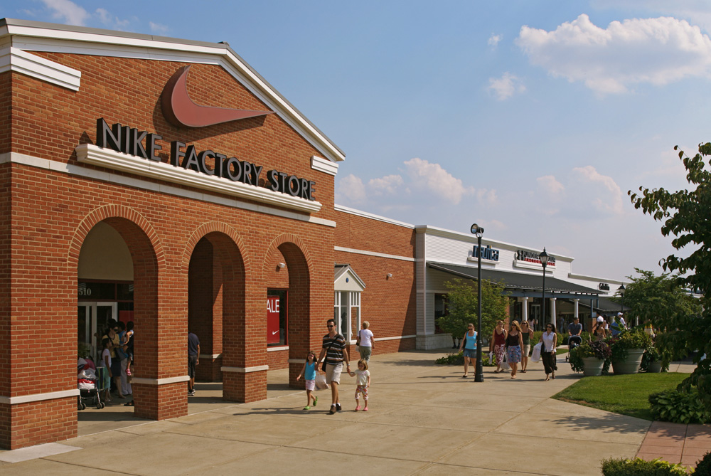 About Leesburg Corner Premium Outlets A Shopping Center In